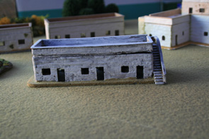 R15BH009 Adobe houses (triple) - with steps