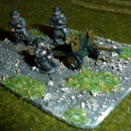 BAT10 Hotchkiss 25mm AT Gun with British Crew