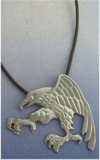 águila amuleto