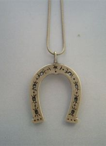 fer a cheval pendentif bijoux