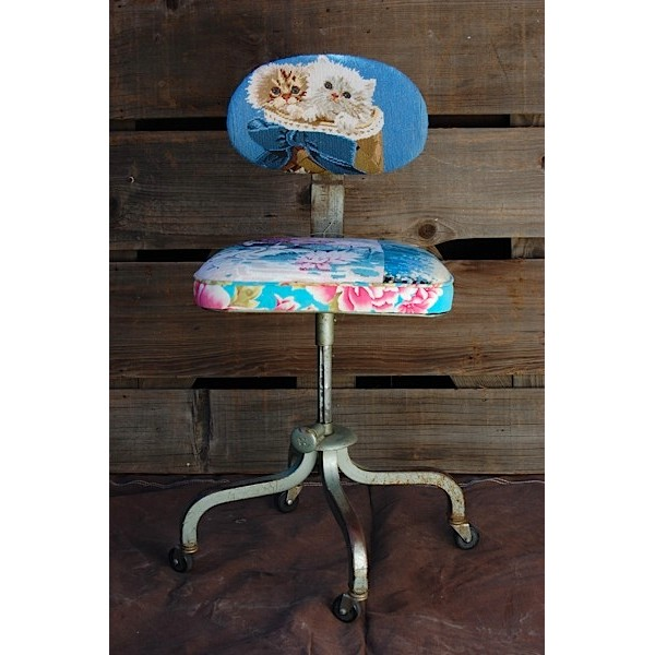 Vintage Kitty Cat Needlepoint Chair