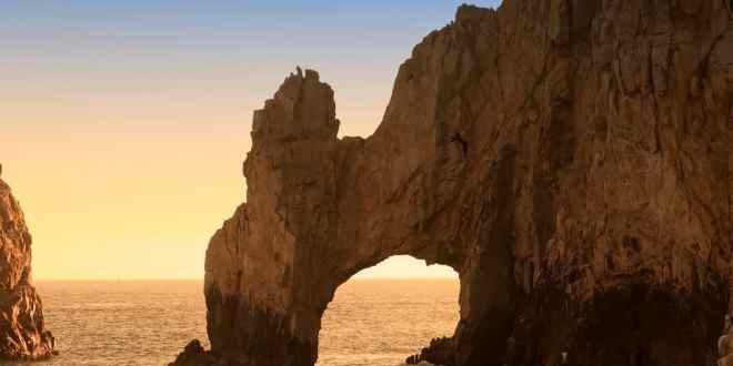 Top 3 Reasons to Try Sport Fishing in Cabo San Lucas (4)