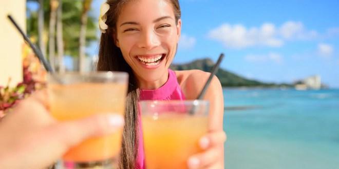 Holidays Lounge Hosts Members Explore Hawaii