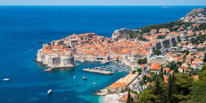 Explore the Top Sites of the Old City of Dubrovnik (3)