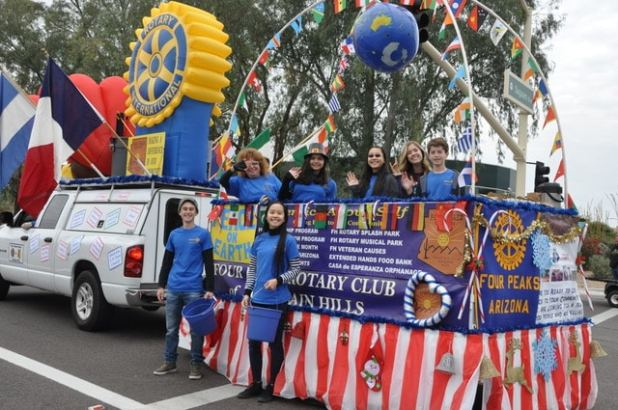 The Biggest Thanksgiving Parade in the Southwest Foutain Hills (5)
