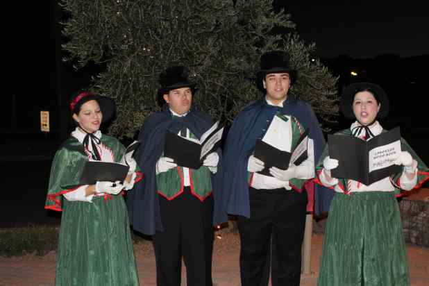 Fountain Hills Chamber of Commerce Presents Stroll In The Glow (6)