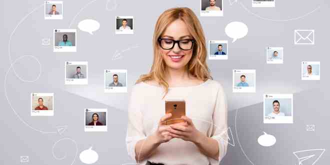 ady hold smartphone online