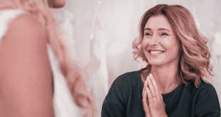 Ways To Include Your Mom in Your Wedding