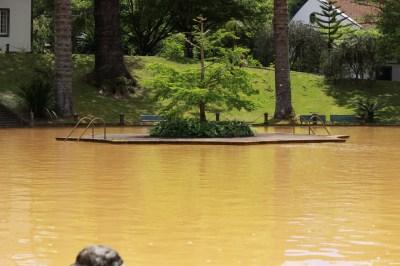 Badeanlage mit natürlichen heißen Quellen
