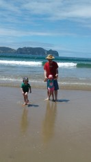 maybey-beach-2-tots-in-tawhero