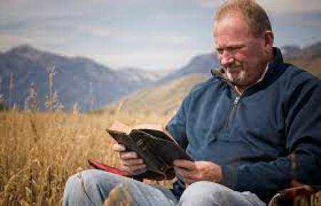 5 Reasons Catholics Should Read The Bible – Diocesan