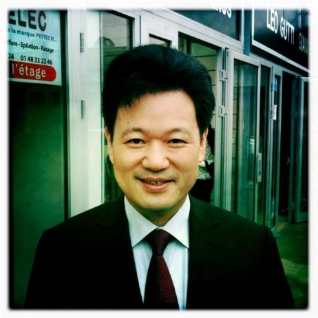 Hsueh Shen WANG, PDG D'Eurasia, symbole de la réussite des Wenzhounais de France © Radio France Hélène Lam Trong