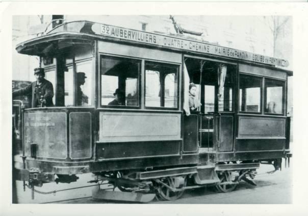 Tramway_TPDS_ligne_32_Aubervilliers_-_Eglise_de_Pantin