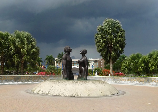 Statue am Emancipation Park in Kingston