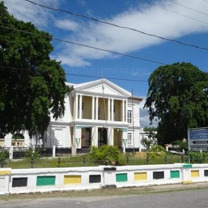 Black-River-Jamaika-Courthouse