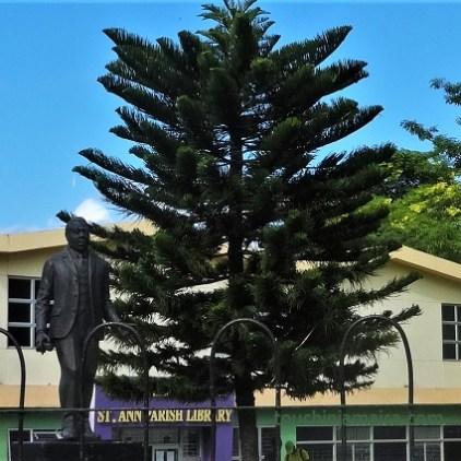 Statue von Marcus Garvey in St.Ann's Bay, Jamaika