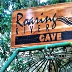 Eingang zu den Roaring River Caves Jamaika