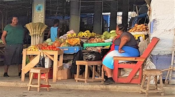 Ma4rktfrauen auf dem Black River Market