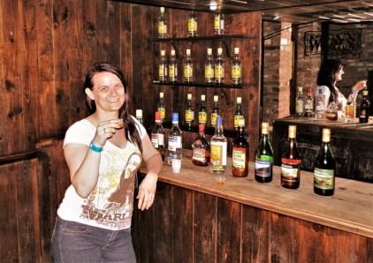 All you can drink? 2013 in Appleton. Dritte Flasche von rechts: Blue Mountain Mist, ein ziemlich leckerer Kaffeelikör - Leider aus der Produktion gegangen.