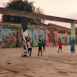 Fussball geht immer, auch in den ärmsten Stadtteilen Kingstons.