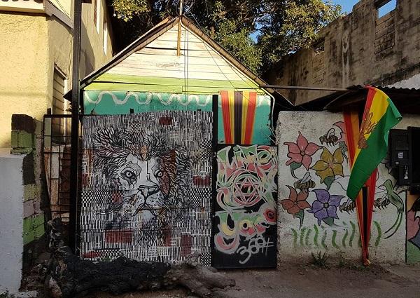 Anlaufstelle für Kinder und Jugendliche: Der LIfe Yard in Parade Gardens /Kingston auf Jamaika.