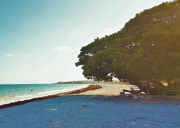 Strand bei Kingston/ Jamaika