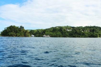 Blick auf Monkey Island und die Unity Bay in Jamaika