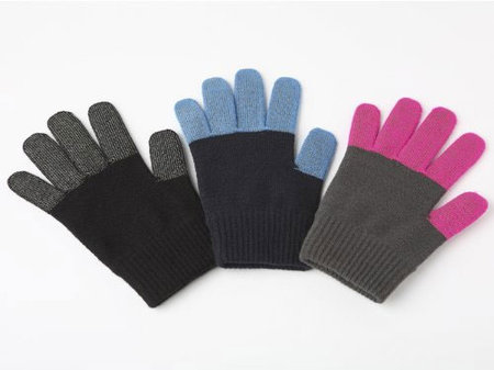 itouch_gloves_iphone_1.jpg