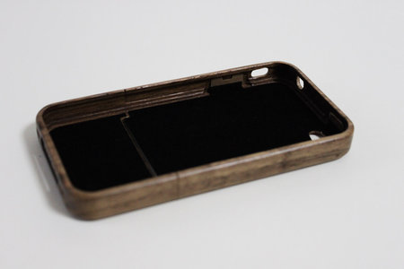 wood_case_for_iphone4_3.jpg
