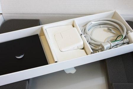 macbook_air_refurbished_2.jpg
