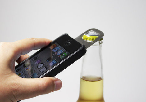 iphone_bottle_opener_opena_0.jpg