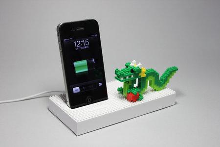 nanoblock_universal_dock_iphone_ipod_0.jpg