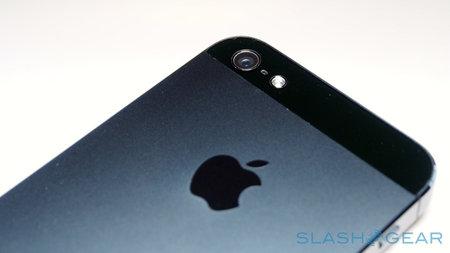 iphone5_black_prone_to_scratch_0.jpg