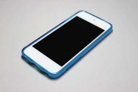 softshell_for_ipod_touch_5th_3.jpg