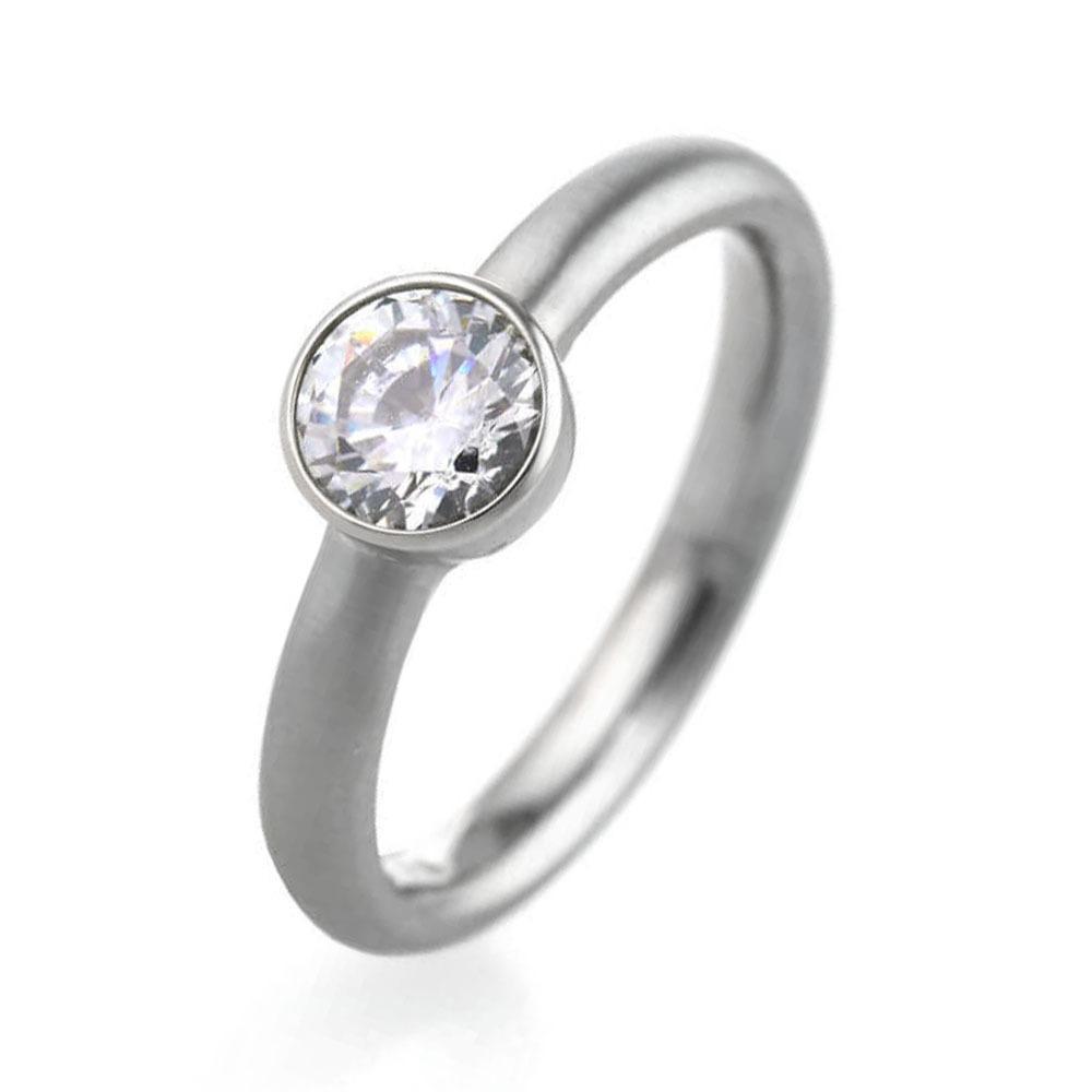 Titanium wedding ring with cubic zirconia gemstone