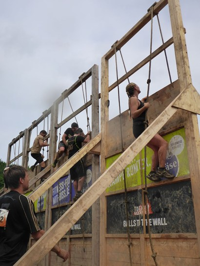 Tough Mudder NRW 2015, Hindernis Balls to the Wall
