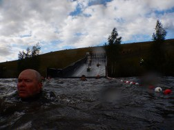 Hindernislauf Belgien, Battle of Thor 2015, Hindernis Tobogaaan Blick aus dem Wasser