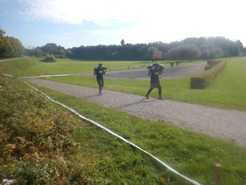 Hindernislauf Nordrhein-Westfalen, XLETIX Challenge Ruhrgebiet 2015, Hindernis Gewichte tragen