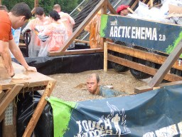Tough Mudder, Hindernislauf NRW, Hindernis Arctic Enema 2.0 Pool