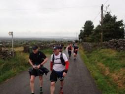Rat Race Man vs. Mountain, Hindernislauf Wales, erster Streckenabschnitt auf Asphalt