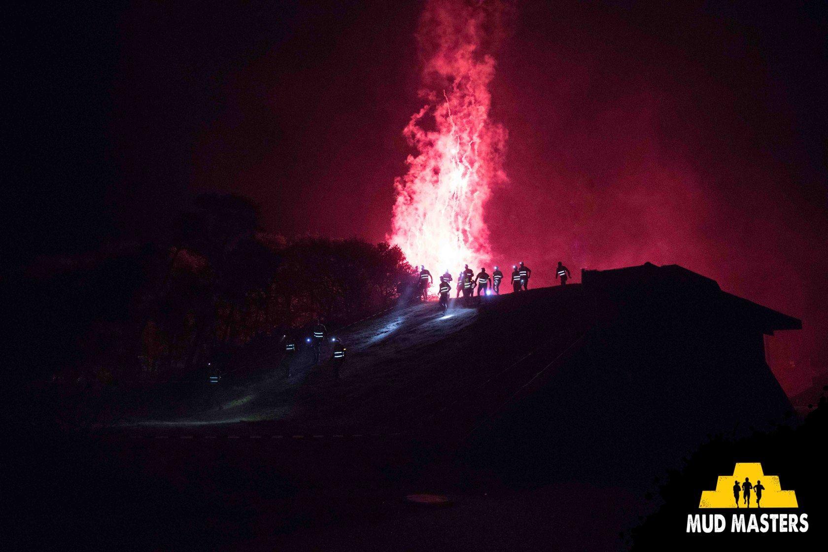 Mud Masters Obstacle Run Night Shift, Hindernislauf Deutschland, Hindernis Bunker Busters Feuerwerk