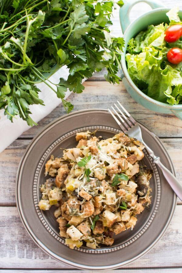 Slow Cooker Fresh Herb Chicken Mushroom Leek Casserole