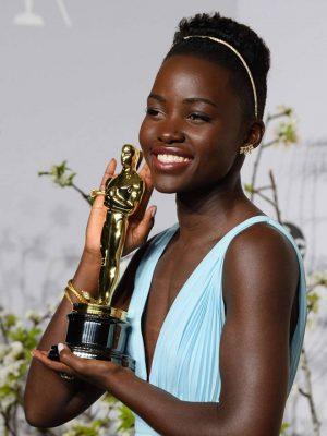 Lupita_Nyongo-Oscars-Facebook