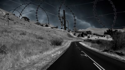 M66-Barbed_Wires