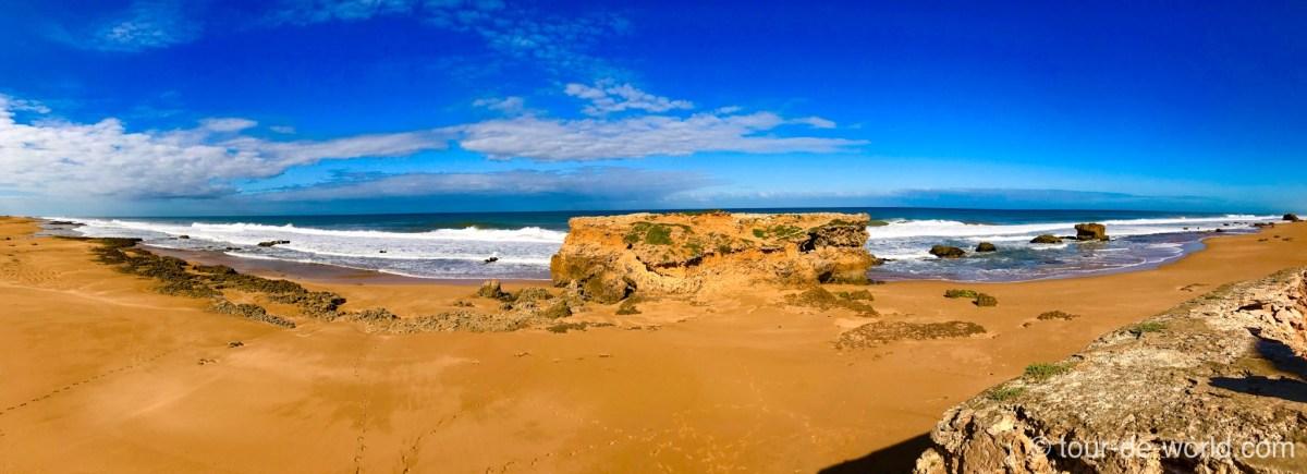 roter-strand-afrika-marokko