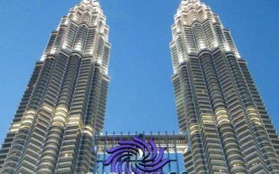 البرجين التوأمين بتروناس في ماليزيا PETRONAS Twin Towers