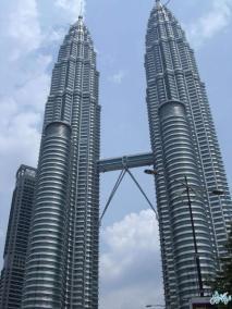البرجين التوأمين بتروناس PETRONAS Twin Towers