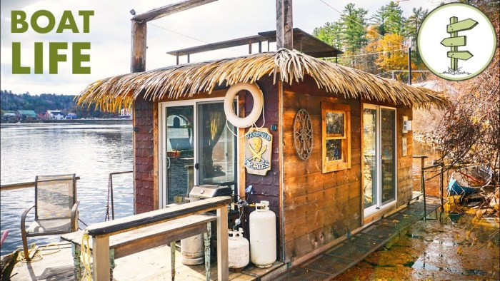 Awesome Tiny House Boat Tour – Man Living on the Water