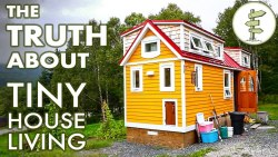 Challenges & Benefits of Tiny House Living – Couple Shares Experience