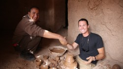 MAKING MOROCCAN POTTERY BY HAND!